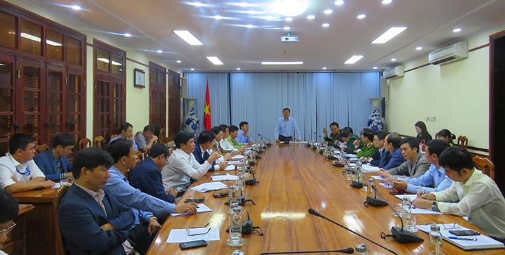 Cuộc họp đã bàn tính các phương án tổ chức tiếp nhận, cách ly công dân Việt Nam trở về từ Trung Quốc