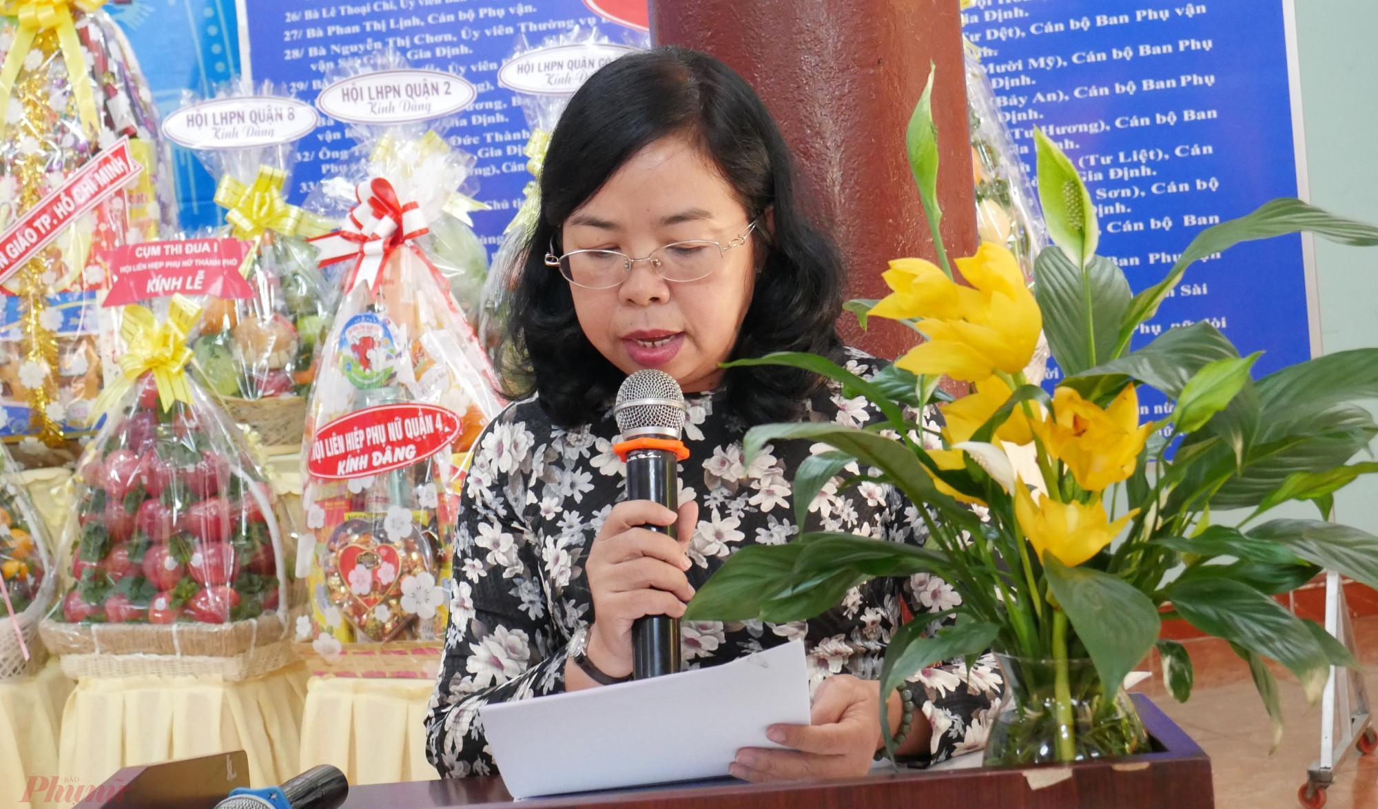 bà Đỗ Thị Chánh – Phó Chủ tịch Hội LHPN TPHCM phát biểu tại Lễ Tưởng niệm
