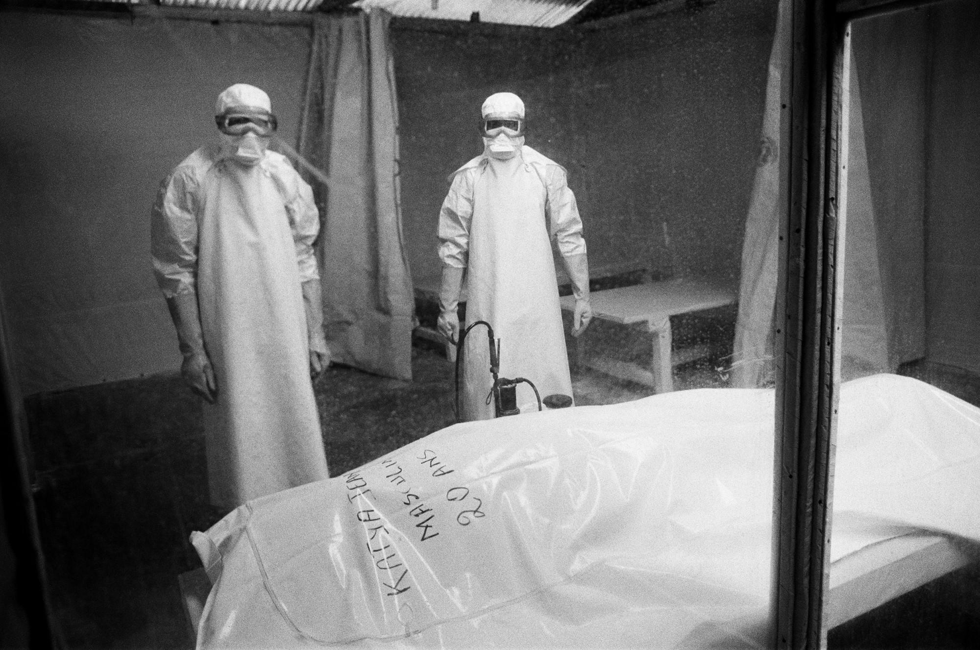 Hình ảnh được chụp tại Trung tâm điều trị dịch Ebola thuộc Cộng hòa Dân chủ Congo
