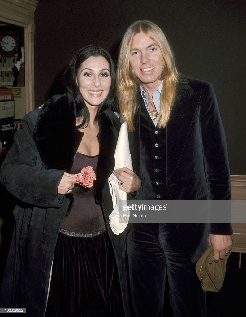 Cher và Greg Allman ly hôn