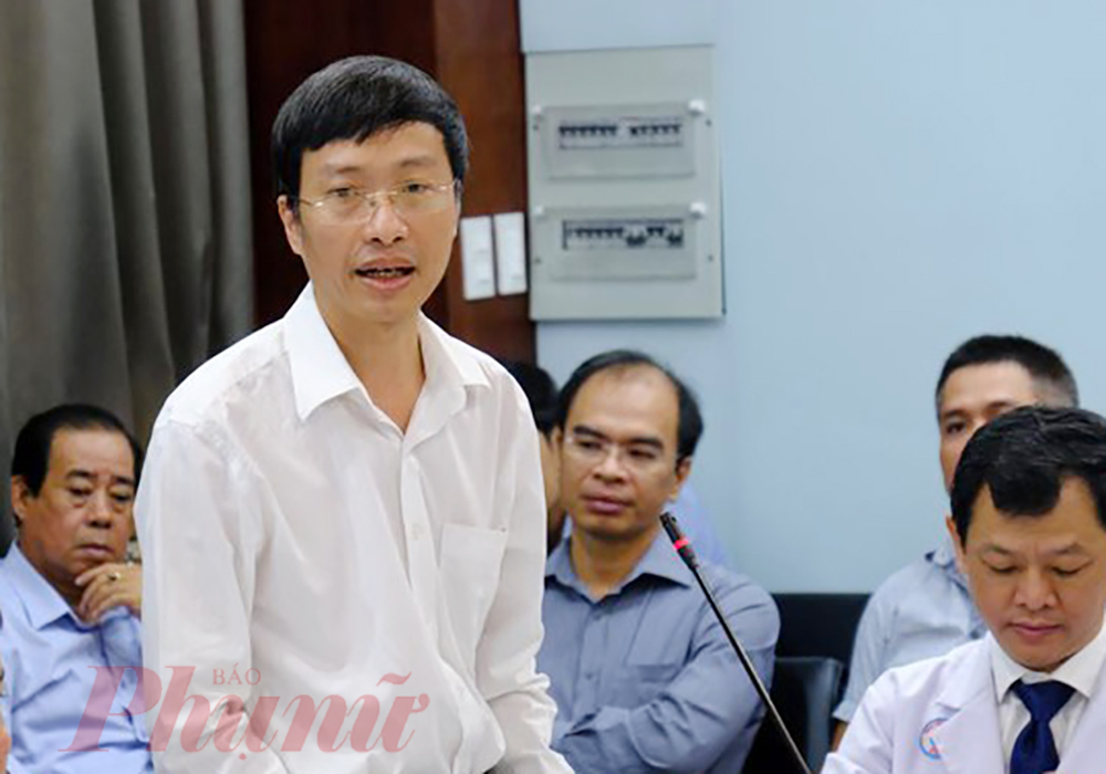 PGS.TS Phan Trọng Lân - Viện trưởng Viện Pasteur trong buổi họp tại Bệnh viện Chợ Rẫy.