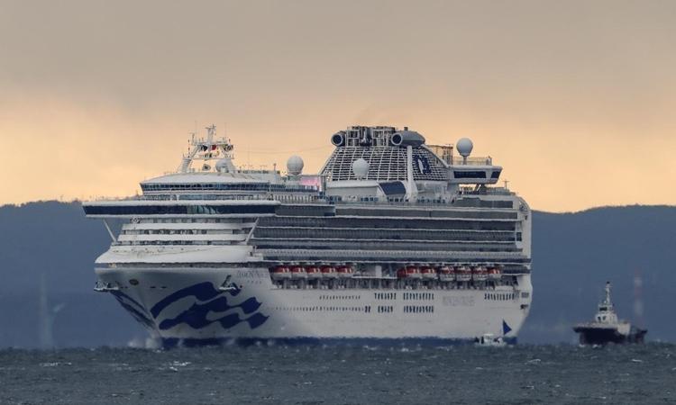 Có ít nhất 61 người nhiễm virus corona trên du thuyền chở 3.700 hành khách, thuỷ thủ đoàn