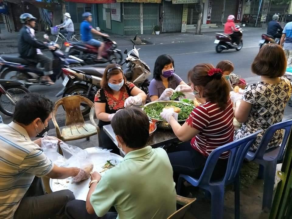 Cùng chung tay để có bữa ăn sáng ấm lòng người lạ.