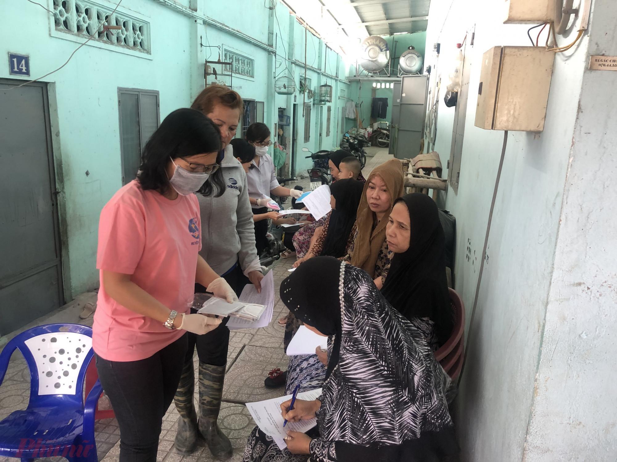 Hội tổ chức truyền thông công tác phòng, chồng dịch bệnh đến với phụ nữ dân tộc trên địa bàn xã Tân Phú Trung.