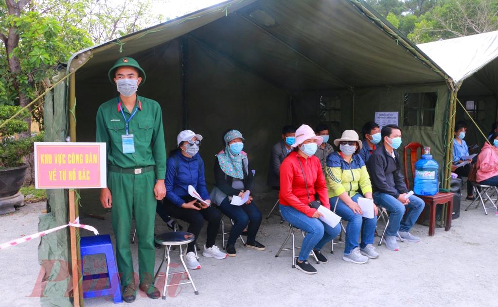 Trong đó khu có công dân trở về từ Hồ Bắc được bố trí vào một trại riêng