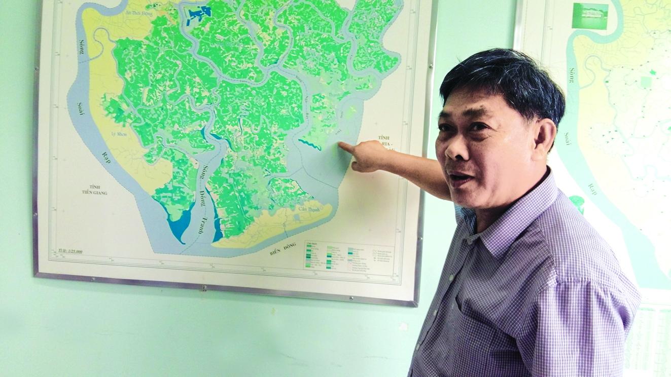 Ông Lê Văn Sinh - Trưởng ban quản lý rừng phòng hộ Cần Giờ - cho biết, rừng trong khu vực 73ha bị đưa ra khỏi quy hoạch rừng phòng hộ Cần Giờ sau đợt kiểm kê năm 2016 trên thực tế vẫn còn nguyên vẹn. Từ năm 2016 đến nay, UBND huyện Cần Giờ vẫn thực hiện các thủ tục pháp lý về việc chuyển đổi mục đích sử dụng đất đối với diện tích rừng bị đưa ra khỏi quy hoạch - Ảnh: S.V.
