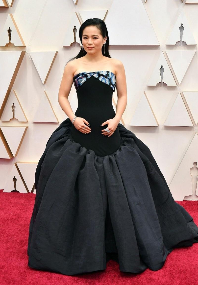 Nữ diễn viên gốc Việt Kelly Marie Trần lọt top sao mặc xấu trong bộ cánh khá khó hiểu