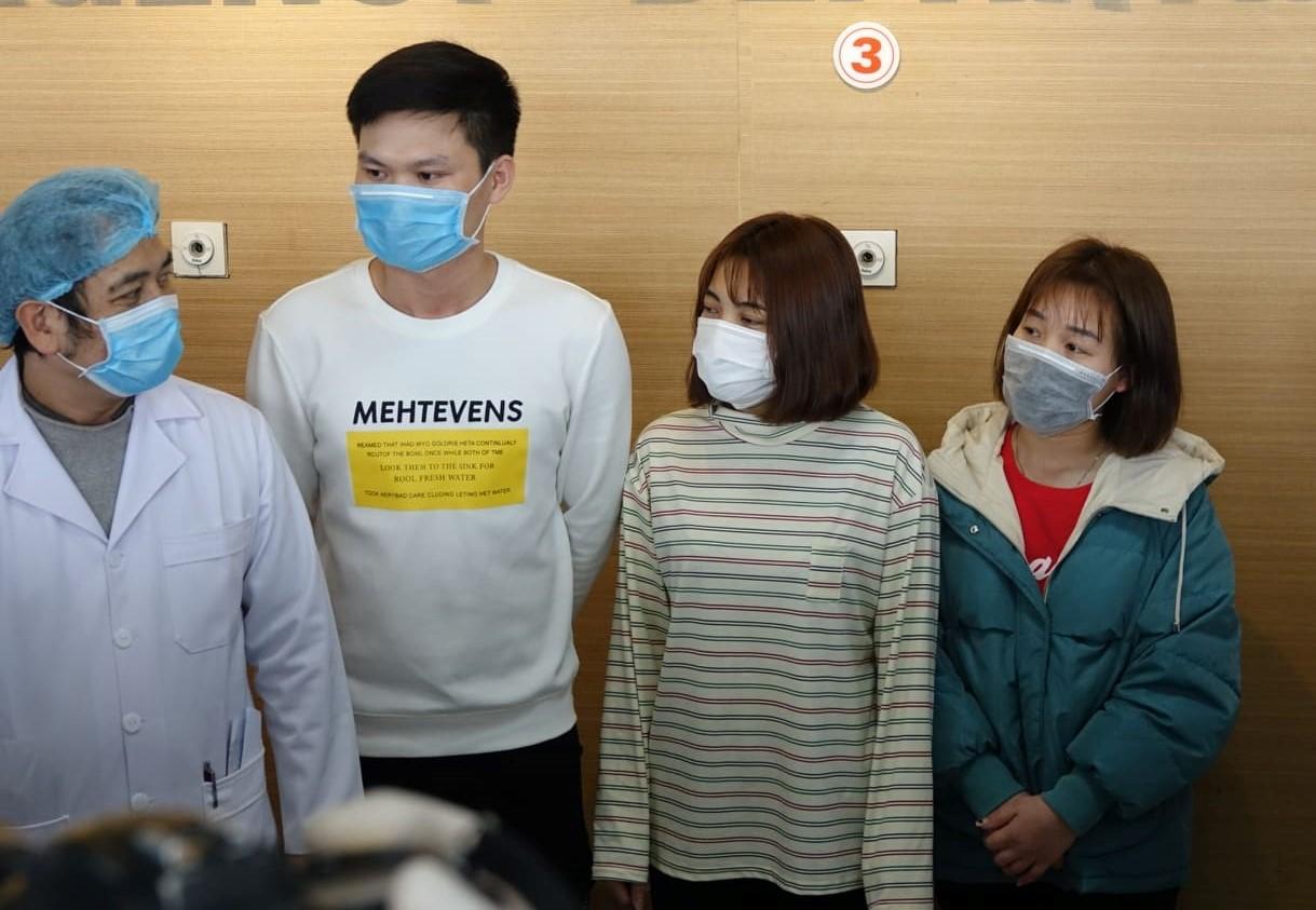 Ba bệnh nhân người Vĩnh Phúc được xuất viện.