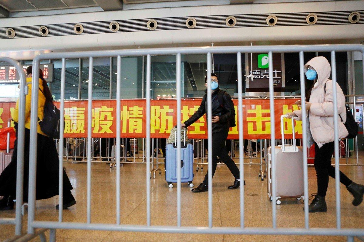 Các thành phố trên khắp Trung Quốc đang chuẩn bị cho sự trở lại làm việc của hàng chục triệu người lao động -  Ảnh: Reuters
