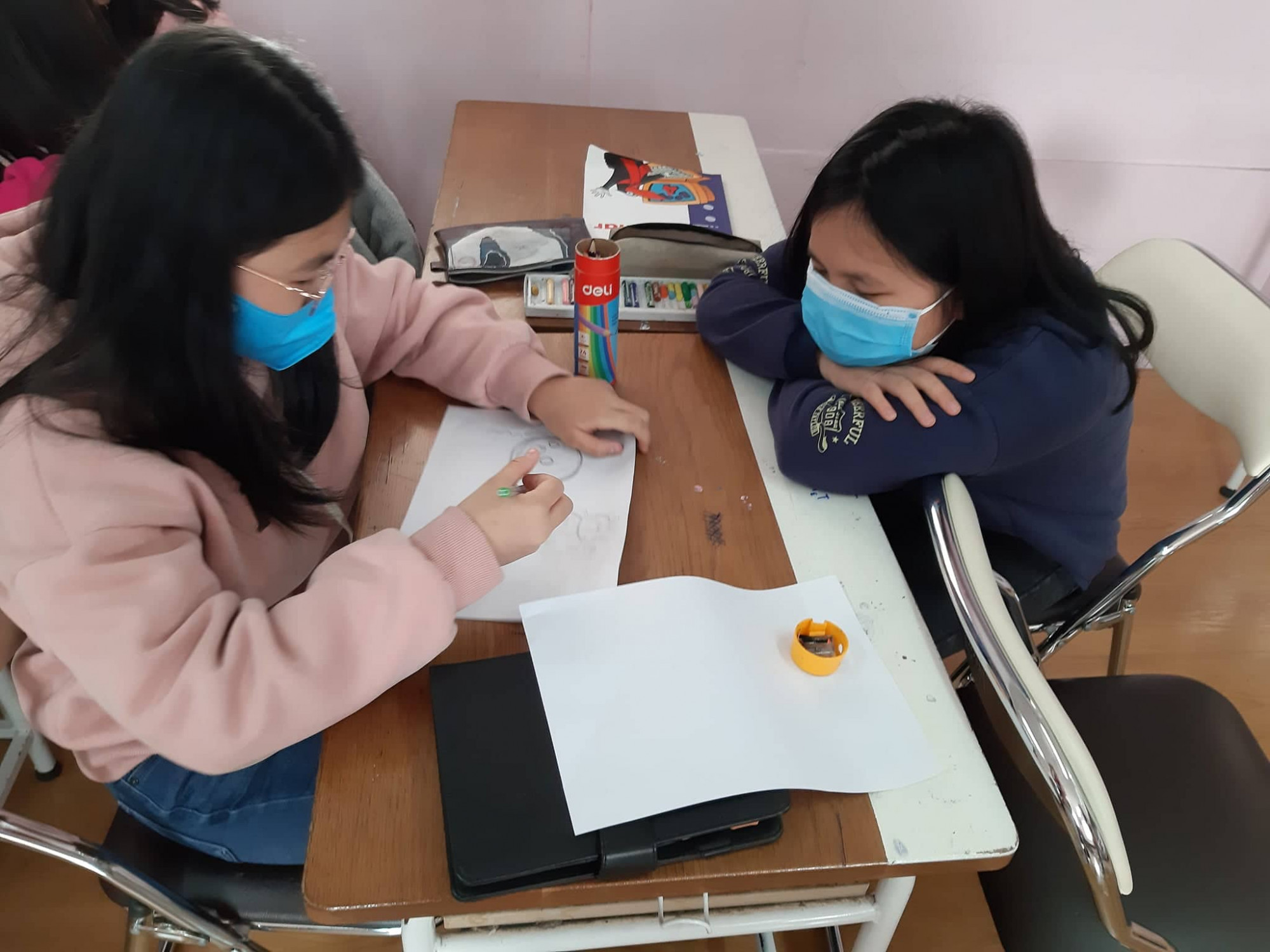 Học sinh tự học ở nhà kéo dài gây bối rối cho phụ huynh. Ảnh minh họa