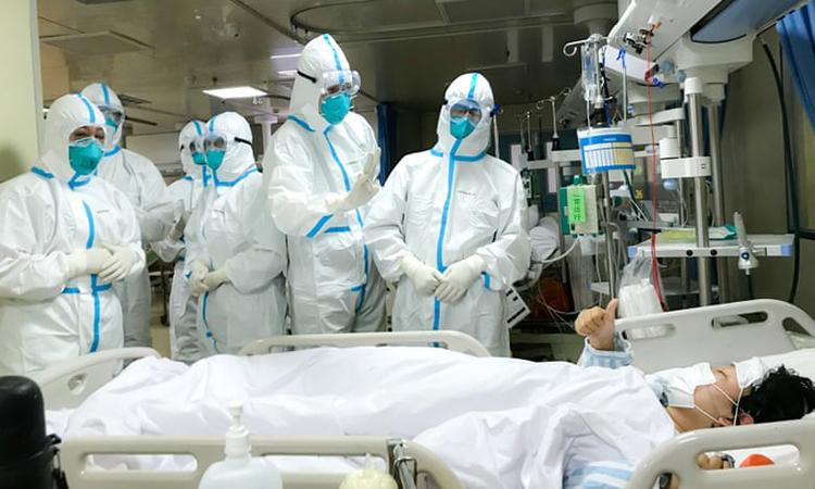 Bệnh nhân cao tuổi bị nhiễm virus Corona thì tình trạng bệnh sẽ nặng hơn