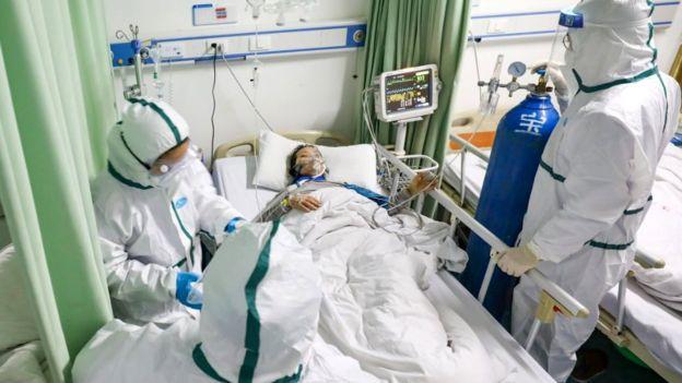 Bất chấp số người chết do coronavirus không ngường tăng, ngày càng nhiều bệnh nhân hồi phục sau khi được điều trị tại bệnh viện - Ảnh: Reuters