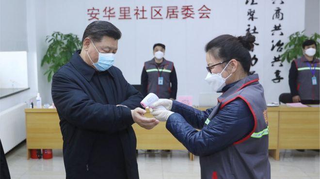 Chủ tịch Tập cận Bình đến thăm các nhân viên y tế thủ đô Bắc Kinh