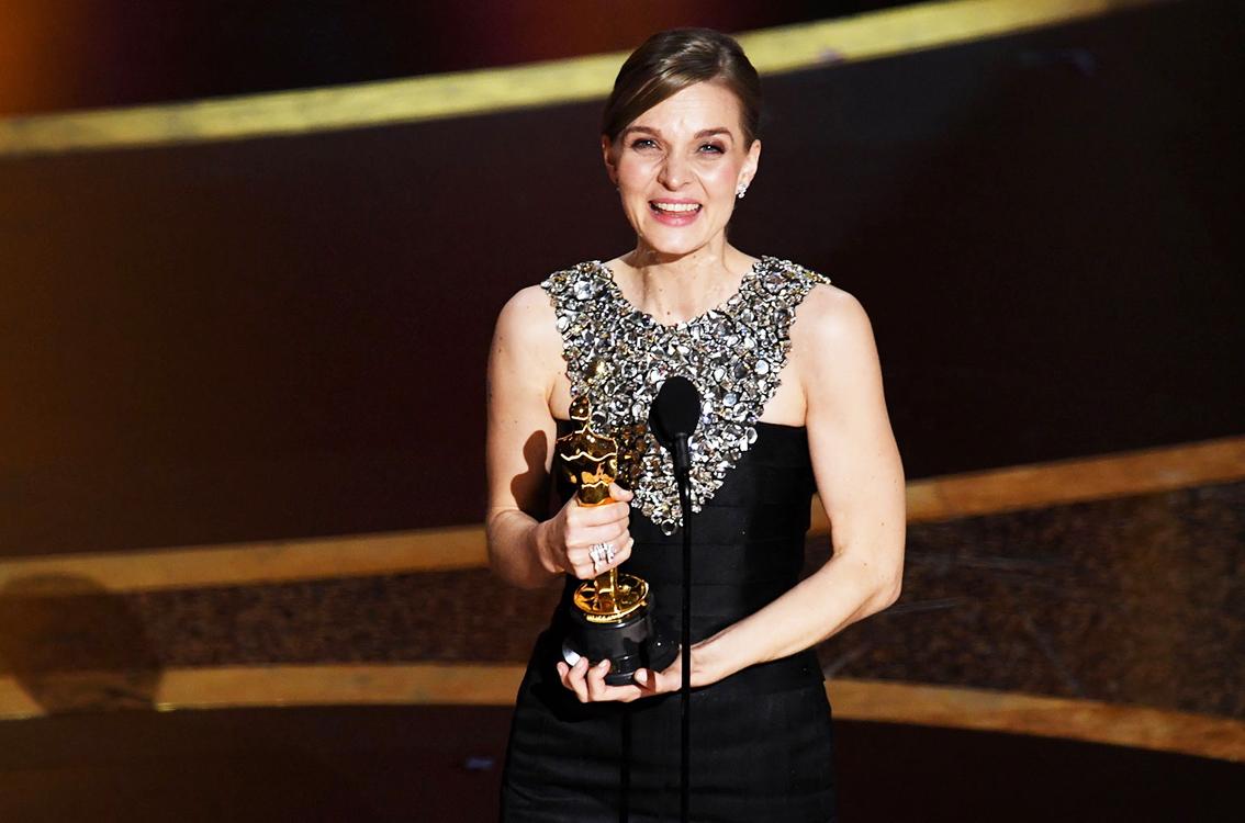 Nữ nhạc sĩ Hildur Guðnadóttir giành chiến thắng tại Oscar 2020