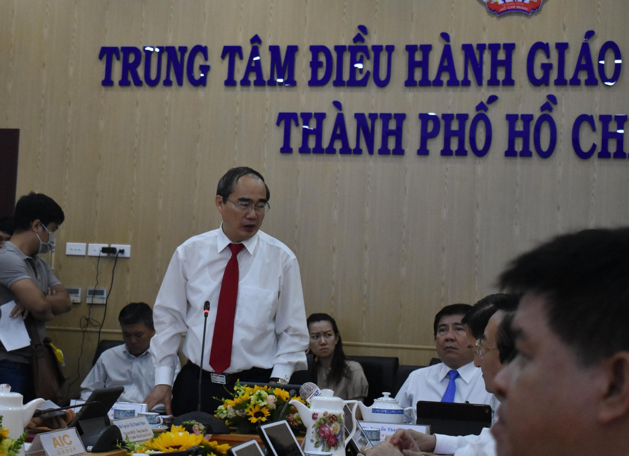 Bí thư Thành ủy TPHCM Nguyễn Thiện Nhân chỉ ra nhiều tác dụng của trung tâm điều hành giáo dục thông minh TPHCM