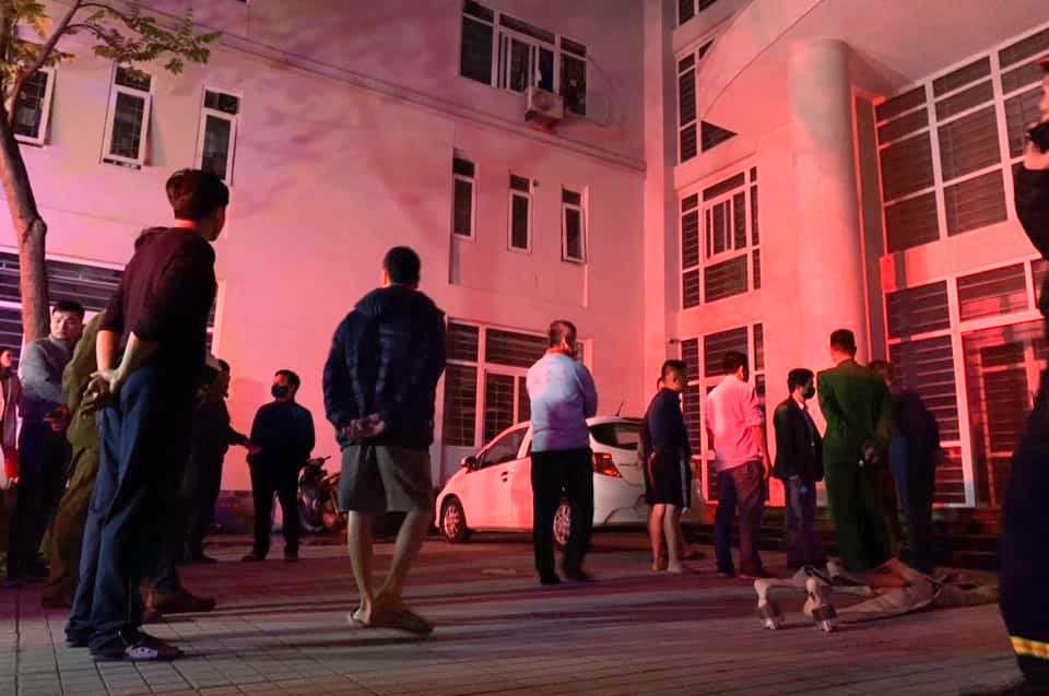 Vụ hỏa hoạn xảy ra lúc nửa đêm khiến nhiều người hoảng loạn