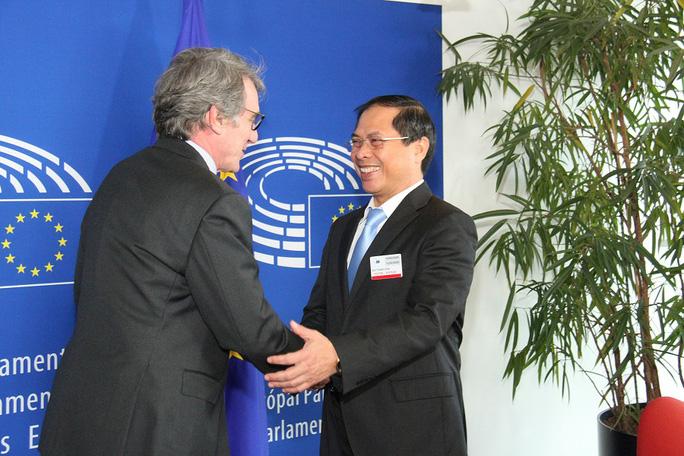 Thứ trưởng Thường trực Bộ Ngoại giao Bùi Thanh Sơn gặp gỡ Chủ tịch Nghị viện châu Âu (EP) David Sassoli hôm 11/2.
