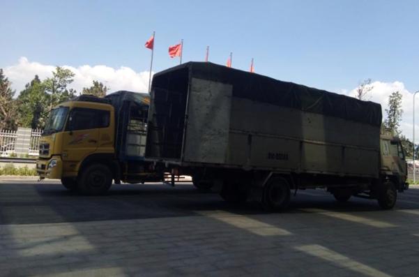 BV Ung Bướu vận chuyển giường bệnh mới bổ sung cho BV dã chiến