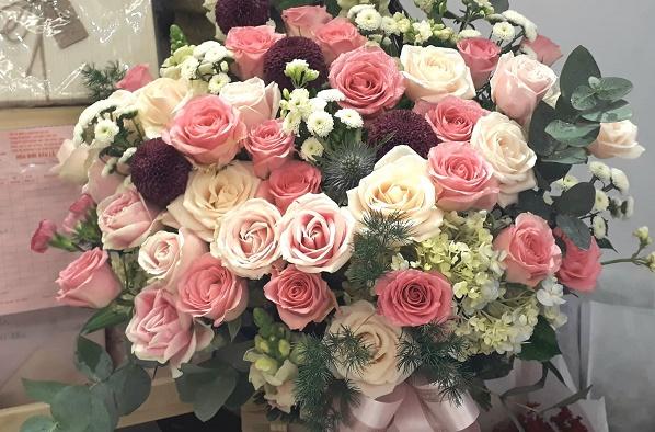 Bó hoa được gửi tận nhà cho vợ khiến tôi giận mất cả kiểm soát - Ảnh minh họa