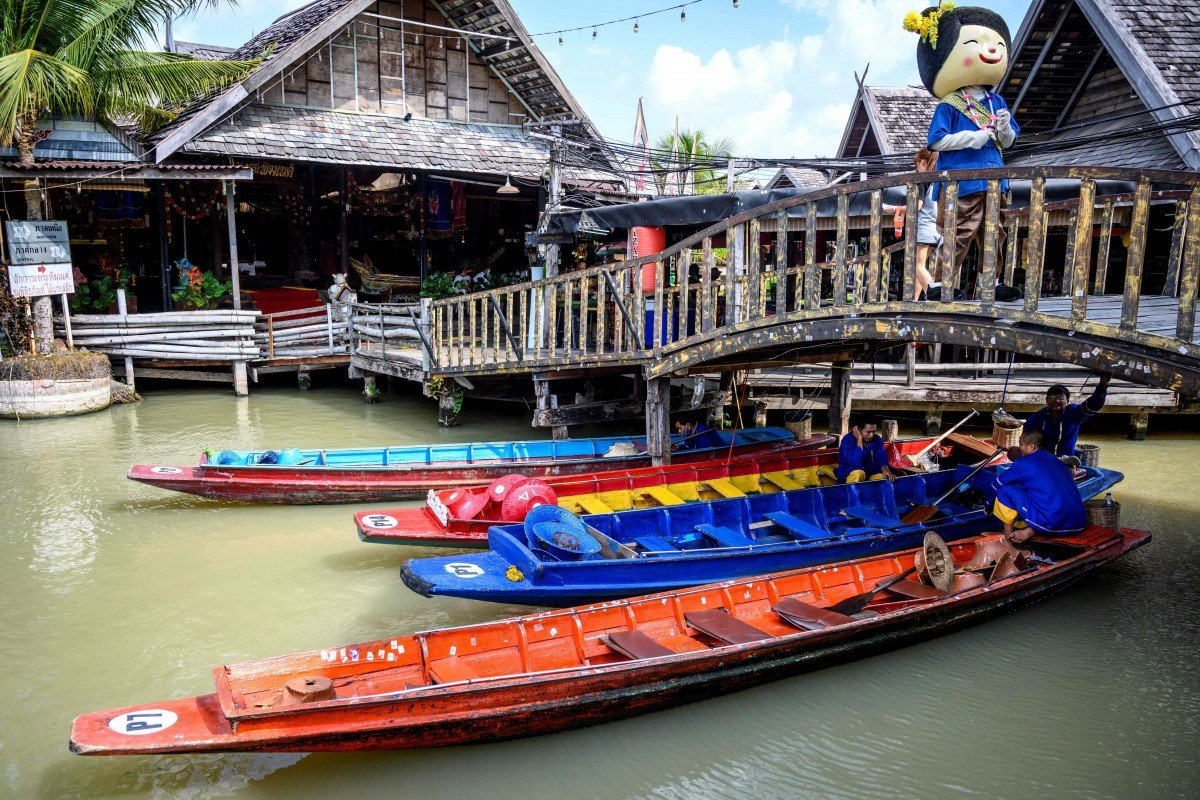 Chợ nổi ở Pattaya (Thái Lan) vắng khách do Covid-19 - Ảnh: AFP
