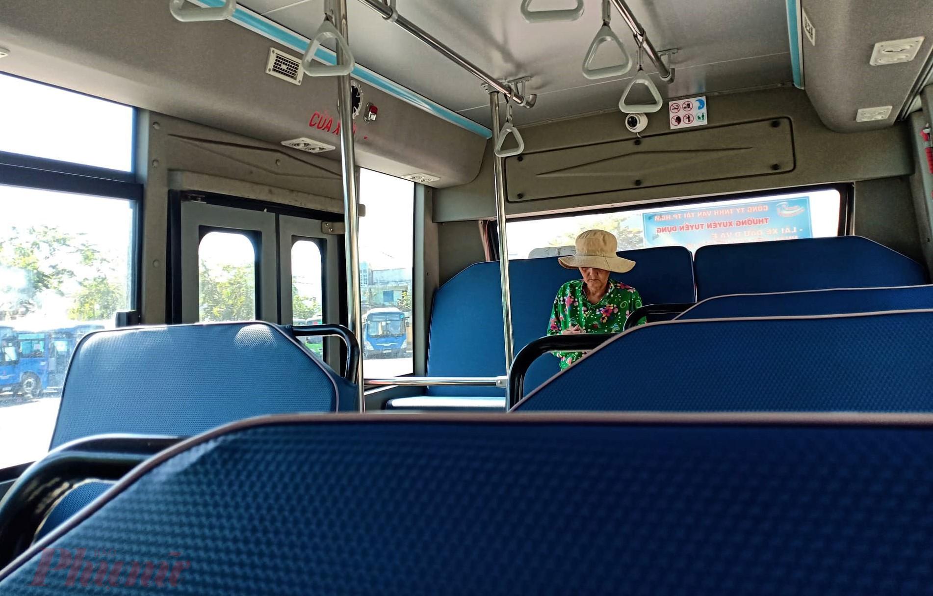 Cả chuyến xe chỉ vỏn vẹn có một hành khách