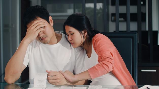 Không phải người phụ nữ nào cũng hiểu những lo toan của các ông chồng, nhất là khi dịch cúm đang làm ảnh hưởng đến công việc và thu nhập của các ông chồng. Ảnh minh họa