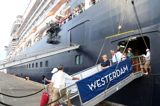 Malaysia một lần nữa khẳng định hành khách người Mỹ từ tàu Westerdam dương tính với COVID-19.
