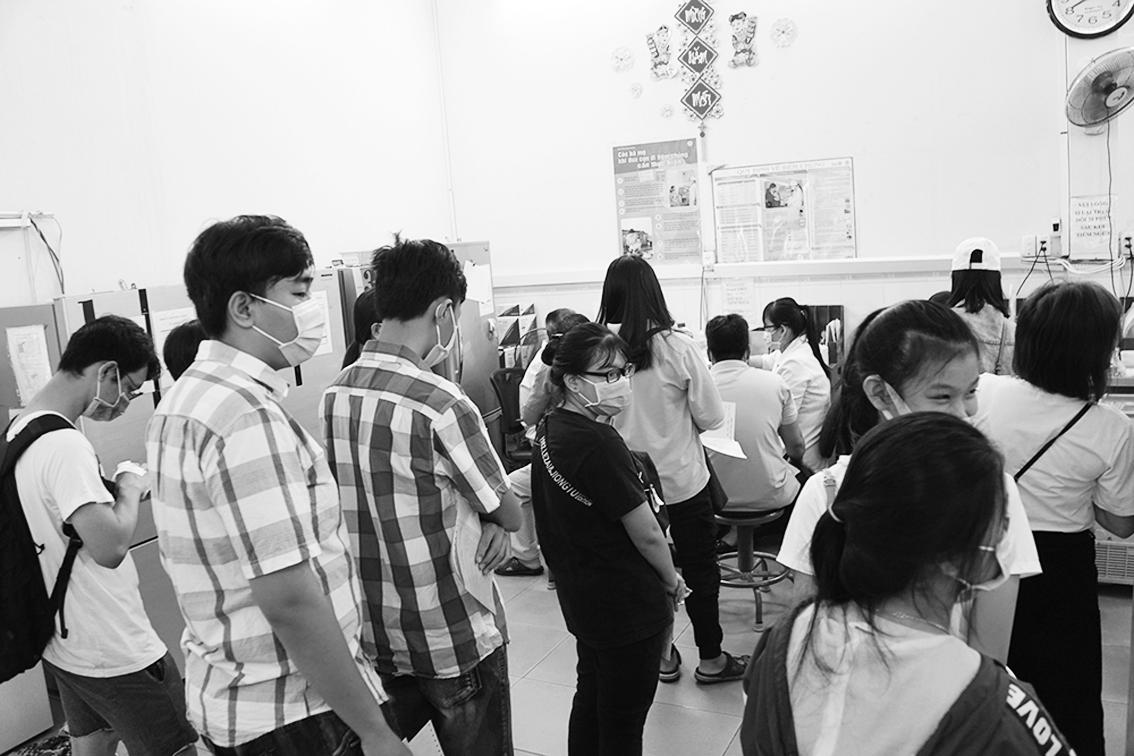 Số lượng người lớn đến khám tại Viện Pasteur TP.HCM tăng trong khi trẻ em lại giảm