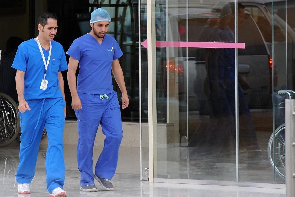 Nhân viên cấp cứu tại một bệnh viện ở Ả Rập Xê Út. Ảnh: Middle East Monitor