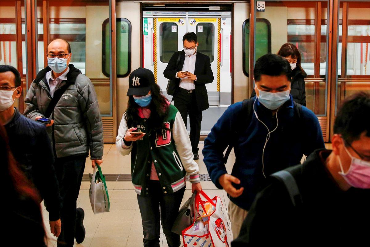 Nhiều người dân Hồng Kông tỏ ra không hài lòng với cách chính quyền thành phố ứng phó nguy cơ dịch bệnh.