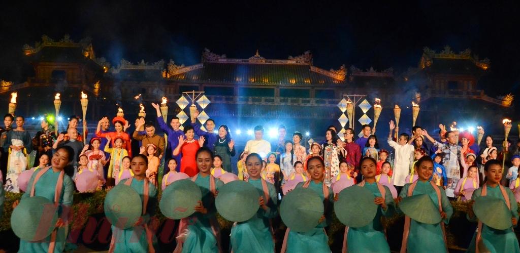 Mỗi kỳ Festival Huế lễ hội áo dài bao giờ cũng được chọn là  một trong chương trình chính của Festival Huế