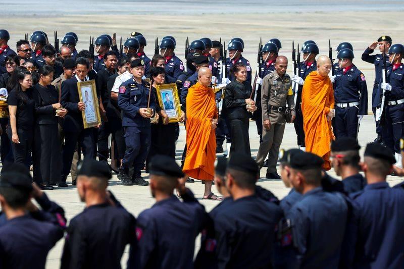 Lễ tang của hai sĩ quan đặc nhiệm SWAT, thiệt mạng trong vụ xả súng hôm 8/2.