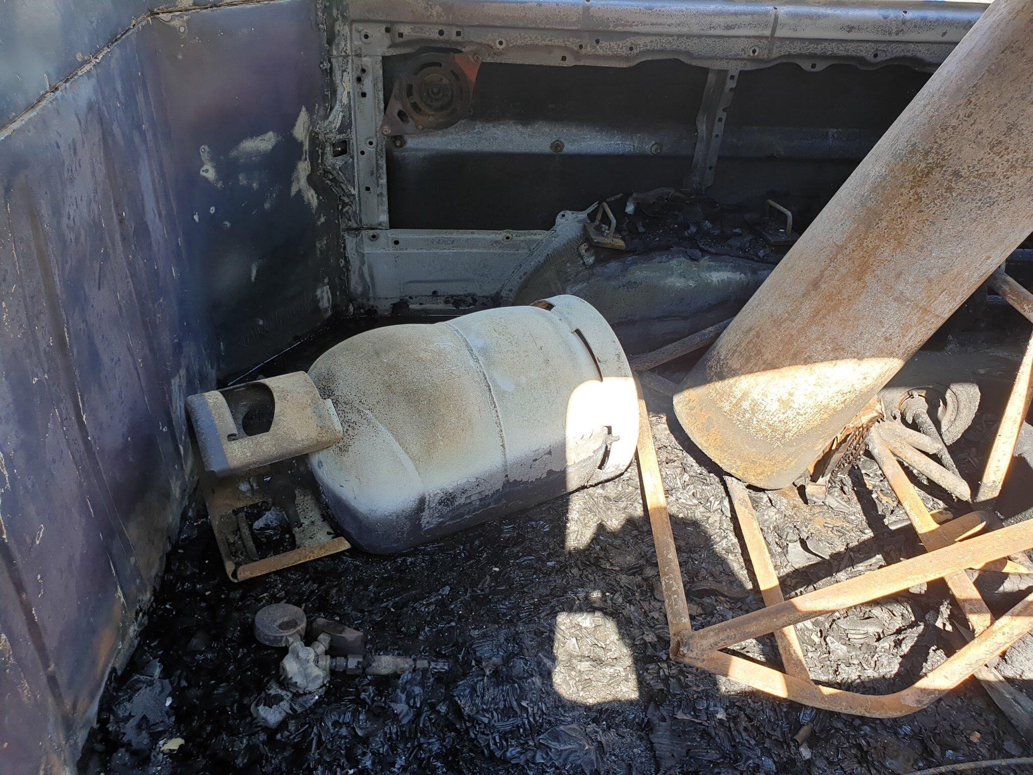 Trên xe có bình ga và bình khí nhưng chưa phát nổ