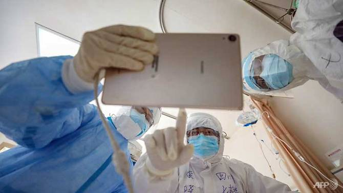 Các nhân viên y tế đang làm việc ngày đêm để bảo vệ đất nước khỏi dịch bệnh COVID-19 mà Trung Quốc đang đối mặt.