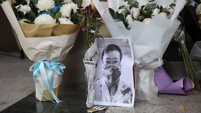 Từ cái chết của bác sĩ Lý Văn Lượng, người dân Trung Quốc yêu cầu chính quyền quan tâm nhiều hơn đến lực lượng y bác sĩ, đồng thời đòi hỏi quyền tự do thông tin và cho rằng cơ quan chức năng nợ bác sĩ Lượng một lời xin lỗi.