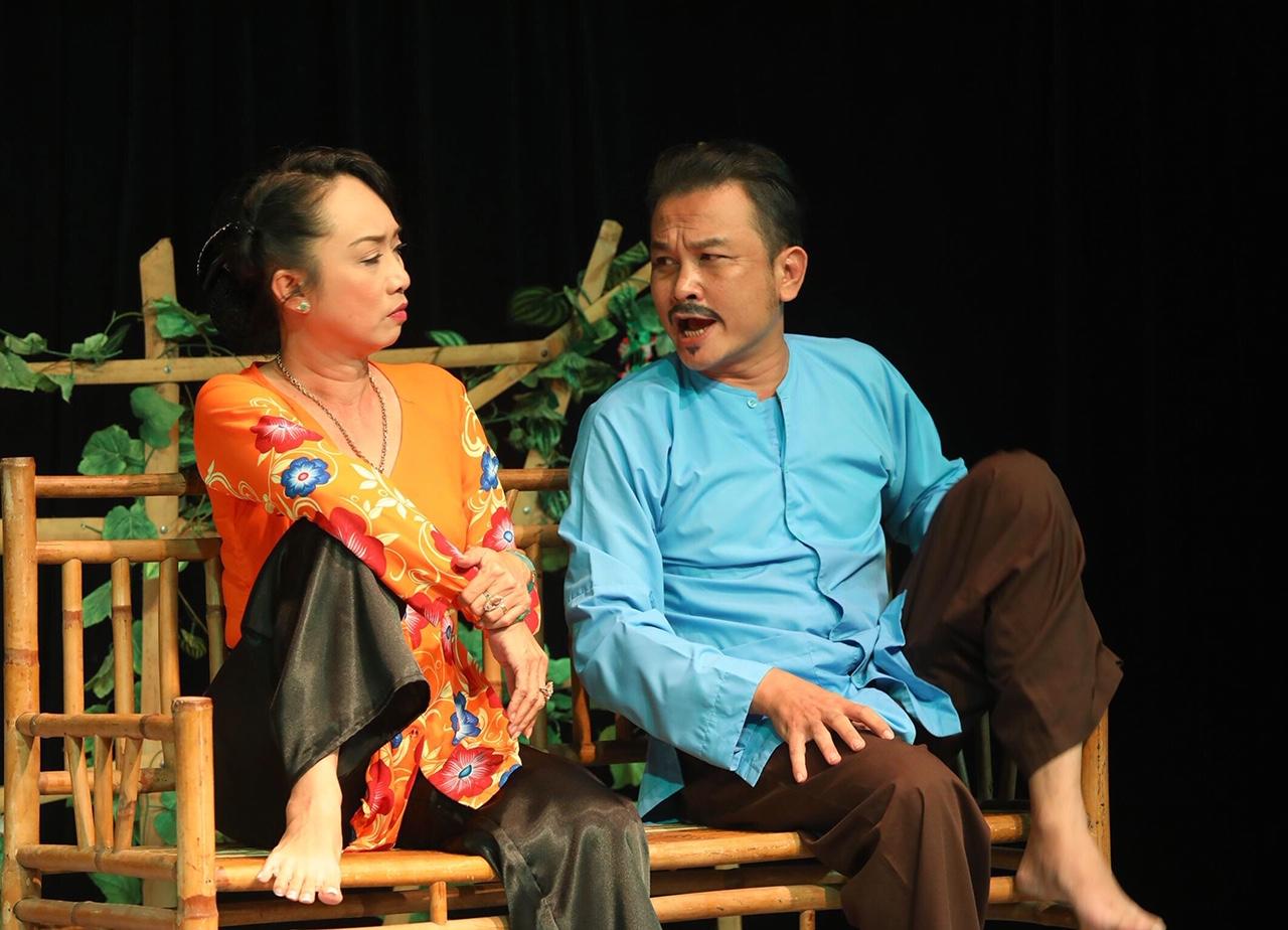 NSƯT Hữu Quốc, Tô Thiên Kiều lấn sân kịch nói nên vẫn có nhiều suất diễn