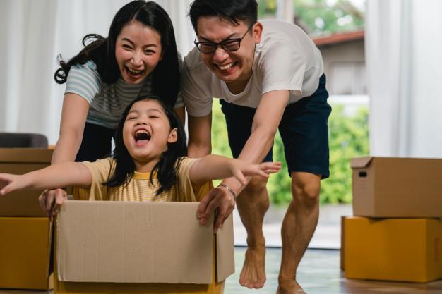 Cha mẹ nào cũng mong cho con cái hạnh phúc, sự lựa chọn mang đến hạnh phúc của con sao cha mẹ nỡ chối từ? (ảnh mang tính minh họa)