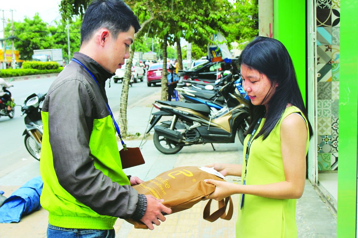 Dịch vụ đi chợ thuê giúp giải tỏa nỗi lo đi chợ ngày dịch