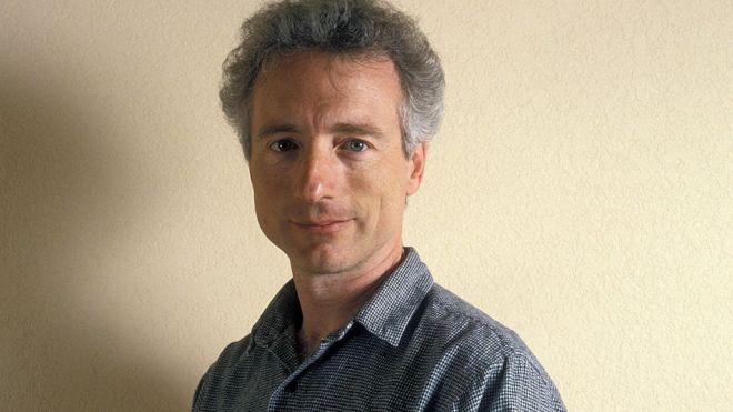 Larry Tesler, ảnh chụp tại Diễn đàn PC năm 1989, đã làm việc cả đời để giúp cho máy tính trở nên dễ tiếp cận hơn với mọi người.