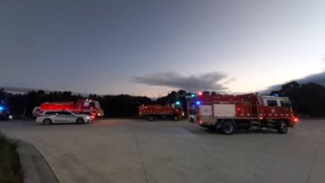 Hơn 20 phương tiện cứu hộ có mặt tại hiện trường để giúp đỡ các nạn nhân.