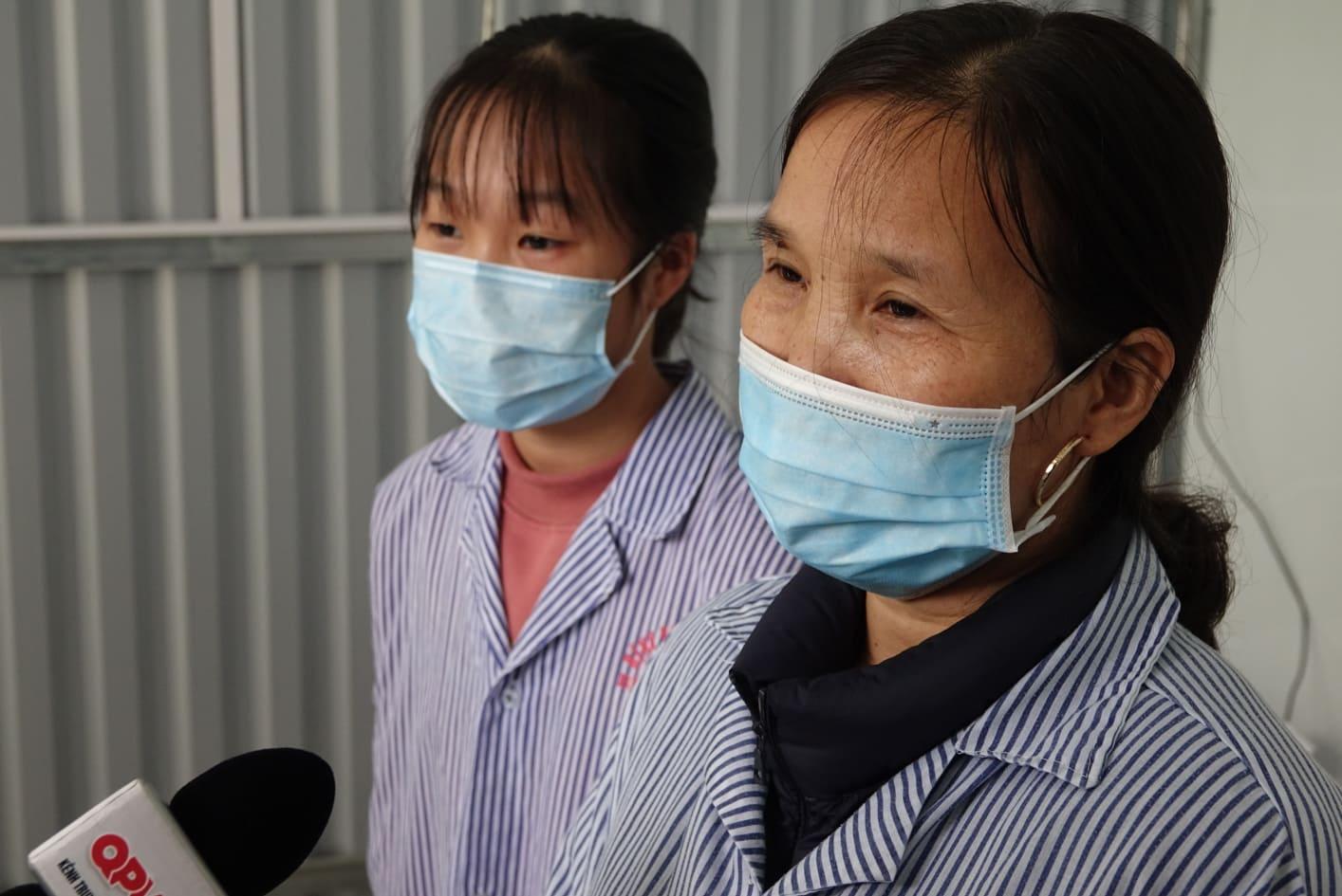 Bà P. nói lời cảm ơn các bác sĩ đã điều trị khỏi bệnh cho hai mẹ con