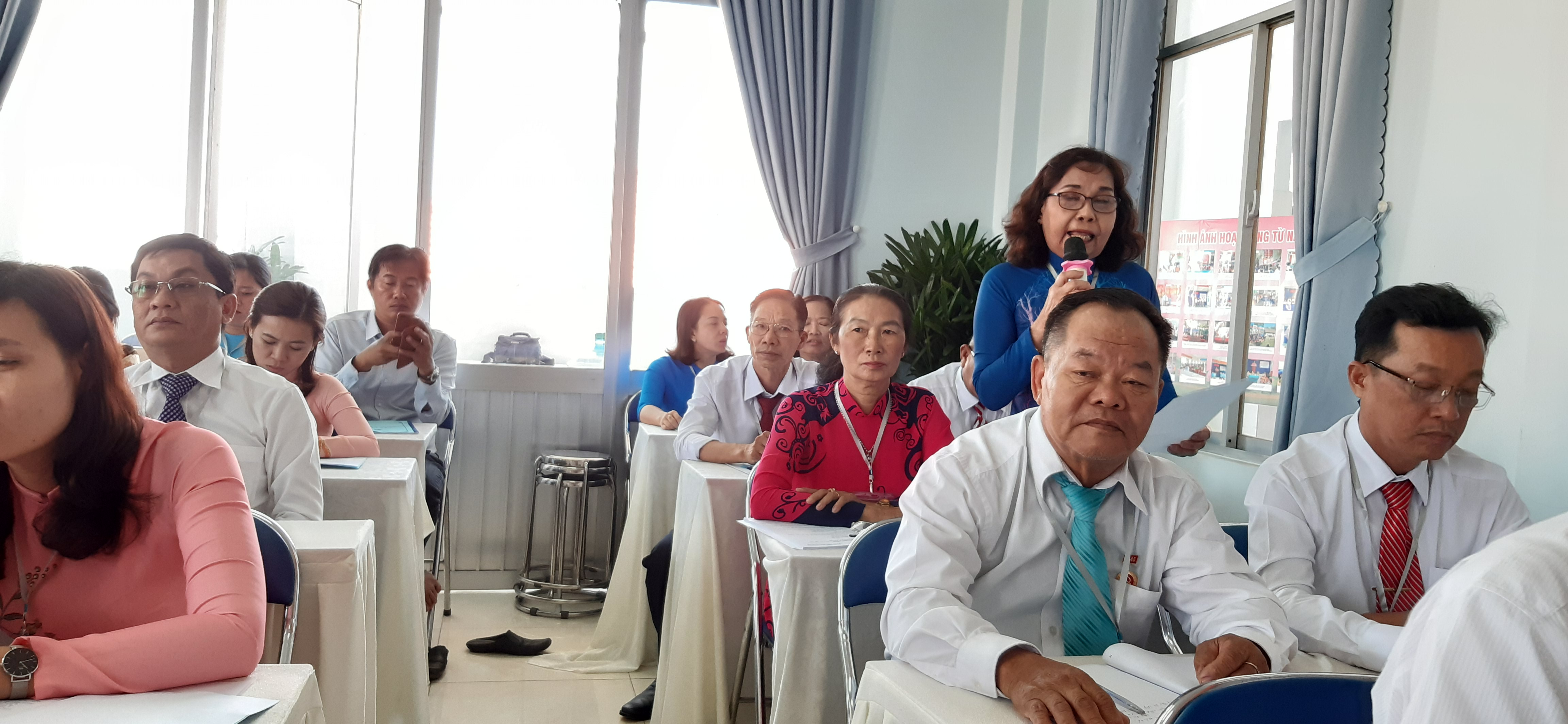 Đại biểu Tống Thị Lệ Hồng nêu trăn trở và kiến nghị giải pháp về việc quản lý, chăm lo dân nhập cư