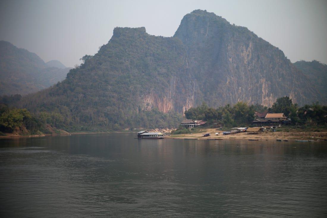 Trung Quốc tuyên bố xả nước các đập sông Mê Kông để giúp các nước hạ nguồn khắc phục tình trạng hạn hán kéo dài