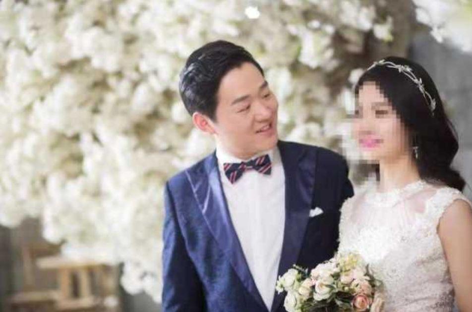 Bác sĩ Bành Ngân Hoa và hôn thê trong bộ ảnh cưới mà cả hai đã chụp trước khi anh tiến ra tuyến đầu chống dịch.