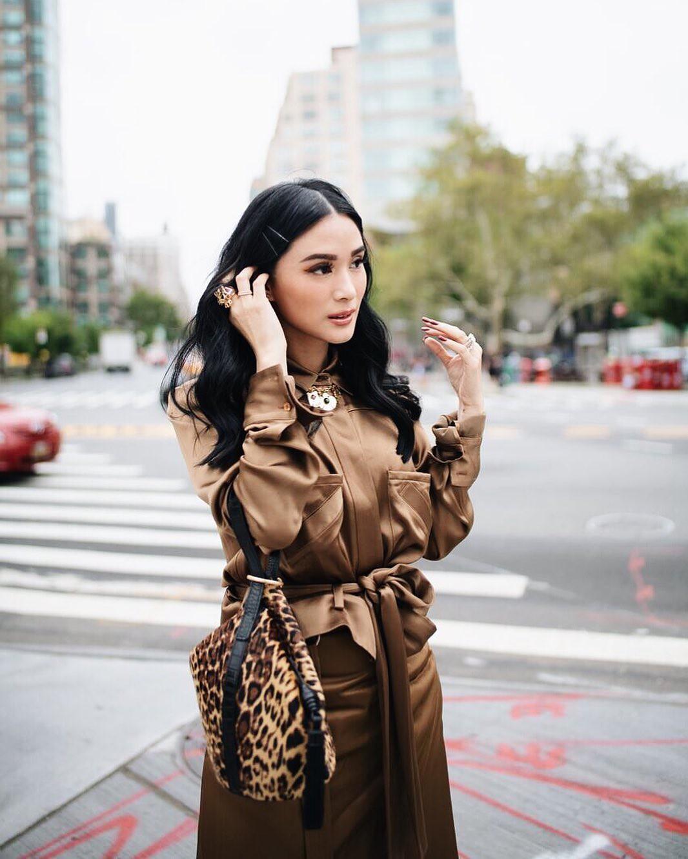 Mỹ nhân Philippines: Heart Evangelista, người được biết đến là phu nhân thượng nghị sĩ Francis Escudero.  trở thành hình mẫu phụ nữ trong mơ của phái đẹp toàn châu Á không chỉ bởi cuộc sống hạnh phúc xa hoa khiến ai cũng ngưỡng mộ, mà còn ở gu thời trang hiện đại trẻ trung đi đầu xu hướng.