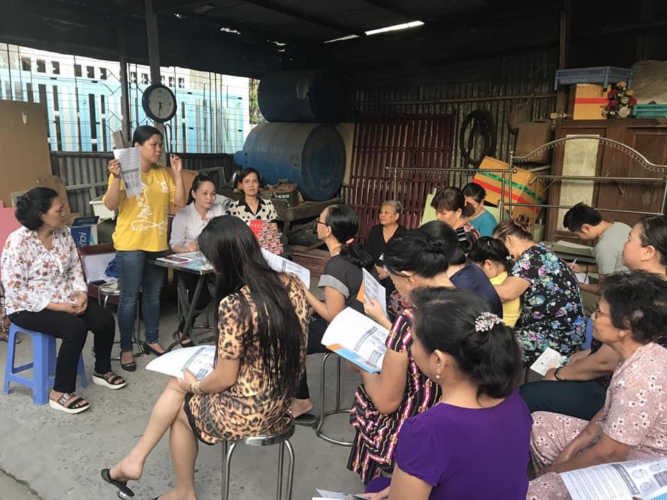 Nhằm giúp chị em có kiến thức và tự phòng tránh dịch bệnh cho Covid-19 gây ra, Hội LHPN Thị trấn nhà bè tổ chức các buổi nói chuyện chuyên đề theo nhóm nhỏ ở từng khu phố,.