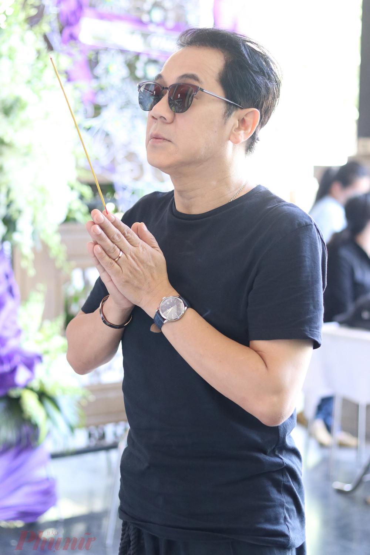 NS ƯT Thành Lộc đến viếng, chia buồn cùng gia đình cố NSND Huỳnh Nga.