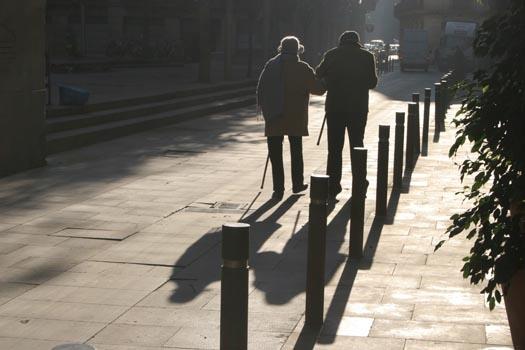 Hạnh phúc là người già còn nhau...Ảnh-internet