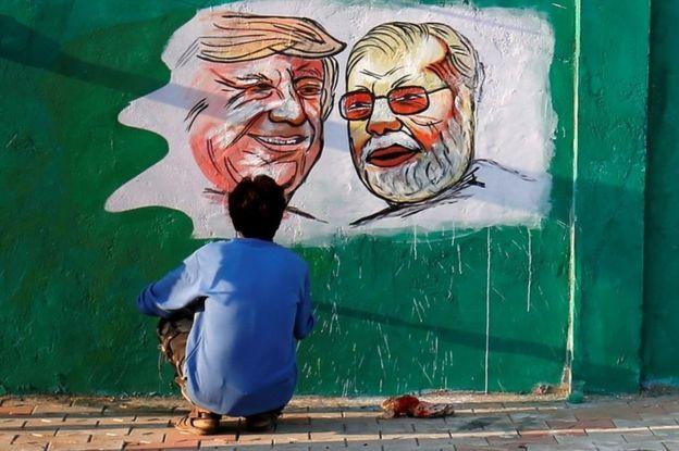Trước chuyến thăm, Ấn Độ đã chi hàng triệu USD để chỉnh trang cơ sở hạ tầng đón tiếp Tổng thống.