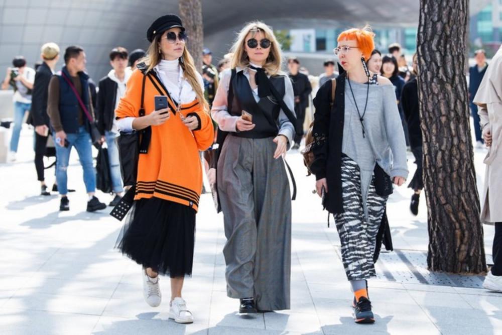 Nhiều show diễn thời trang tại Nhật Bản và Trung Quốc cũng bị hủy lịch trình.